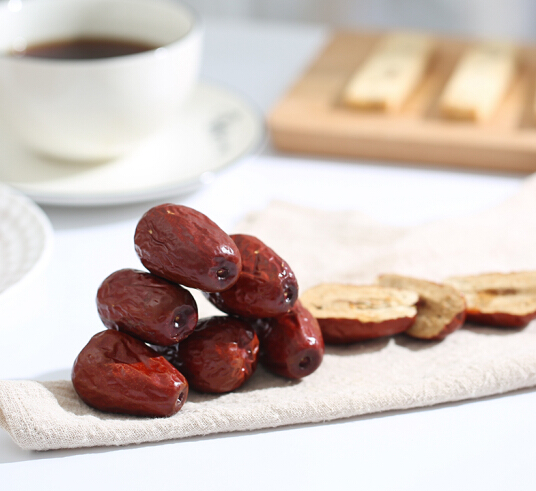 Common Type Dried Red Sweet Jujubes Natural Sweet Dates