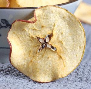 Sliced dried apple  fruit s high  nutrition  apple  fruit s flavor tea
