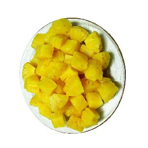 Canned pineapple slice in light syrup