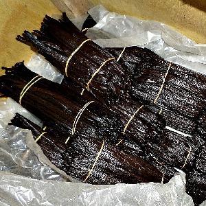 Black   Organic  Vanilla  beans  papua new guinea