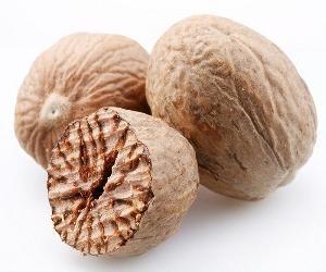Natural   seasoning  nutmeg for sale