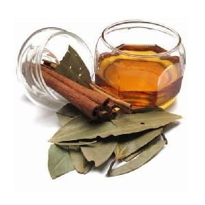 Cinnamon Leaf Oil Bulk from Asia Best Price high quality for flavoring and perfumery
