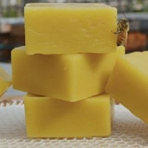 100% Natural Beeswax, Yellow Beeswax Pellets Wholesale (Whatsapp +84973 666 089)