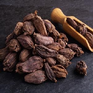Dried whole black cardamom