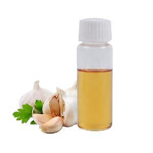 pure garlic oil / garlic essential oil