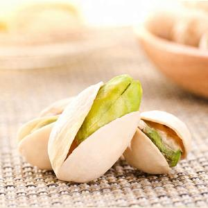 Factory wholesale Healthy Jumbo Cheap Pistachios with Green Kernels