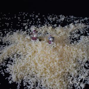 White   Beeswax   Granules  / Pearls