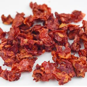 Dehydrated tomato flakes slices