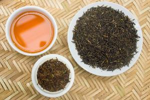 Emarald black organic handmade tea